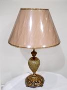 Настольные лампы для баров и отелей